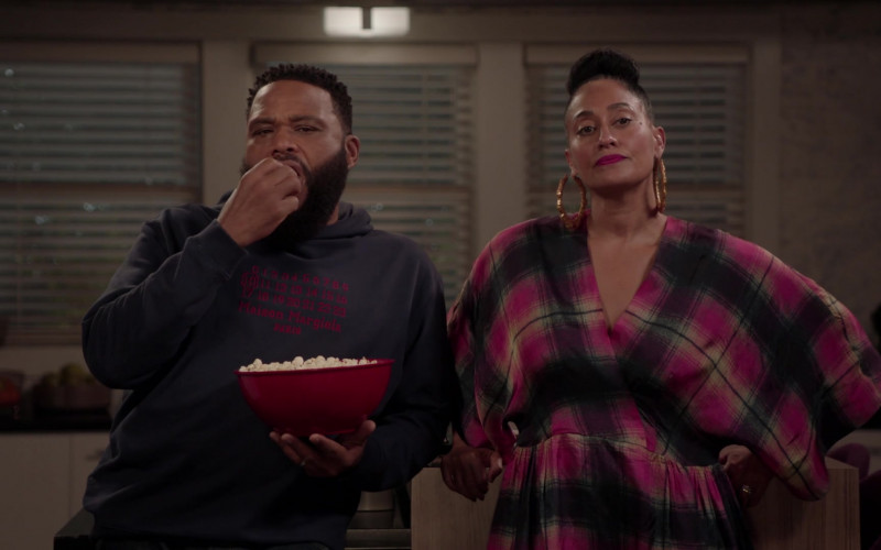 Maison Margiela Hoodie of Anthony Anderson as Andre 'Dre' Johnson in Black-ish S07E19 (1)