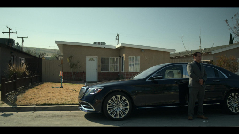Mercedes-Maybach S-Class Car in Mayans M.C. S03E08 A Mixed-Up and Splendid Rescue (2021)