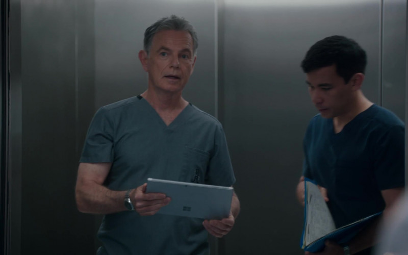 Microsoft Surface Tablet of Bruce Greenwood as Randolph Bell in The Resident S04E11 After the Storm (2021)