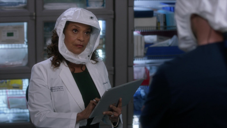 Microsoft Surface Tablets Used by Doctors in Grey's Anatomy S17E10 TV Show (2)