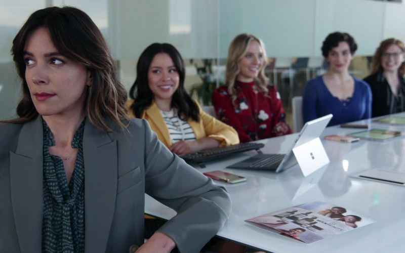 Microsoft Surface Tablets in Good Trouble S03E10 (1)