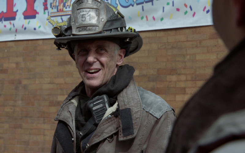 Motorola Radio in Chicago Fire S09E12 Natural Born Firefighter (2)