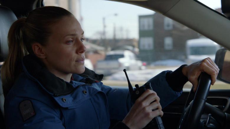 Motorola Radio of Tracy Spiridakos as Hailey Upton in Chicago P.D. S08E11 Signs of Violence (2021)