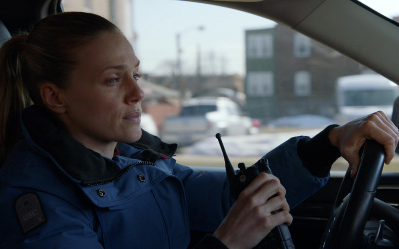 Motorola Radio of Tracy Spiridakos as Hailey Upton in Chicago P.D. S08E11 Signs of Violence (2021)