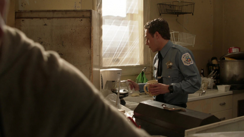 Mr. Coffee Coffee Machine Used by Ethan Cutkosky as Carl Gallagher in Shameless S11E11