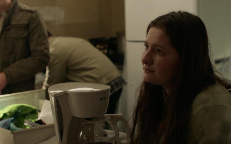 Mr. Coffee Coffee Maker in Shameless S11E12 (2)