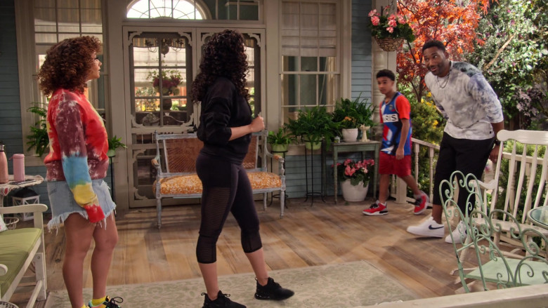 Nike Air Force 1 '07 Men's White Sneakers Worn by Actor Anthony Alabi as Moz in Family Reunion S03E08 (1)