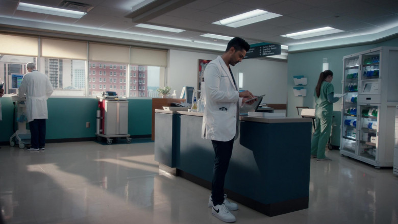 Nike Air Force 1 Low Sneakers of Manish Dayal as Devon Pravesh in The Resident S04E10 Into the Unknown (2021)