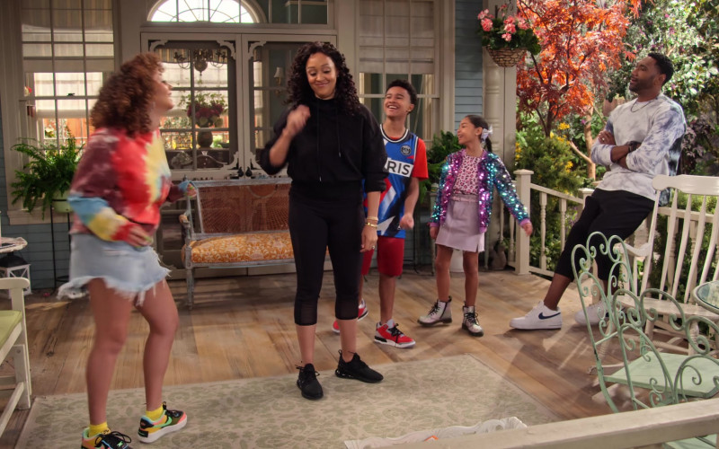Nike Air Force 1 Shadow SE Sneakers of Talia Jackson as Jade McKellan in Family Reunion S03E08