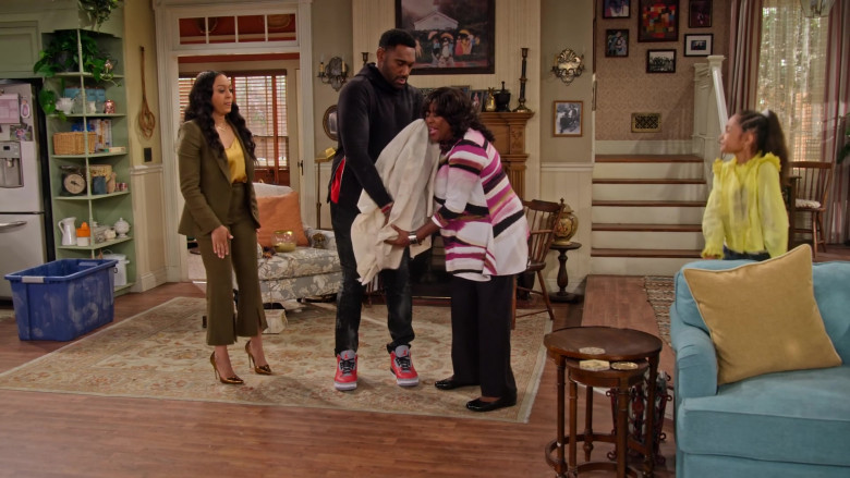 Nike Air Jordan 3 Retro 'Fire Red – Grey Cement' Sneakers of Anthony Alabi as Moz in Family Reunion S03E05