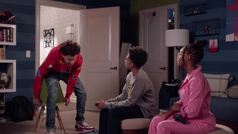Nike Air Max 90 Sneakers of Marcus Scribner as Andre Johnson, Jr. in Black-ish S07E17 (1)