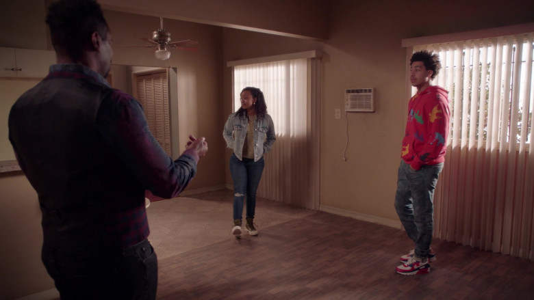 Nike Air Max 90 Sneakers of Marcus Scribner as Andre Johnson, Jr. in Black-ish S07E17 (2)