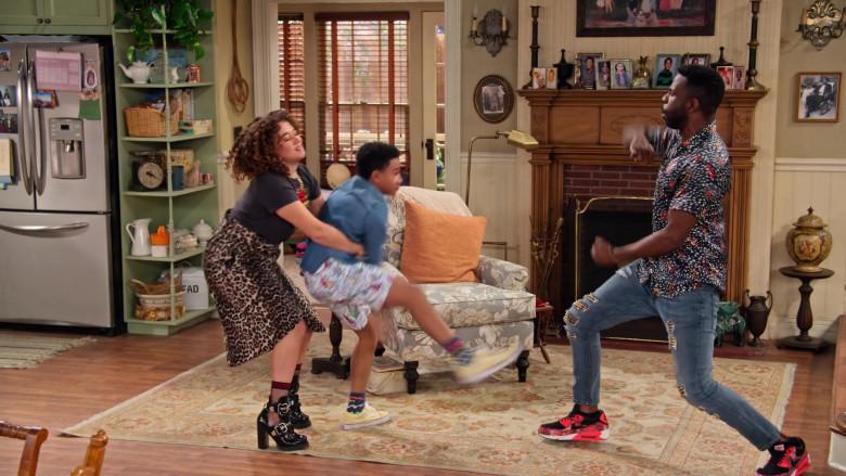 Nike Air Max 90 x Atmos 'Box Print' Sneakers of Warren Burke as Daniel in Family Reunion S03E01