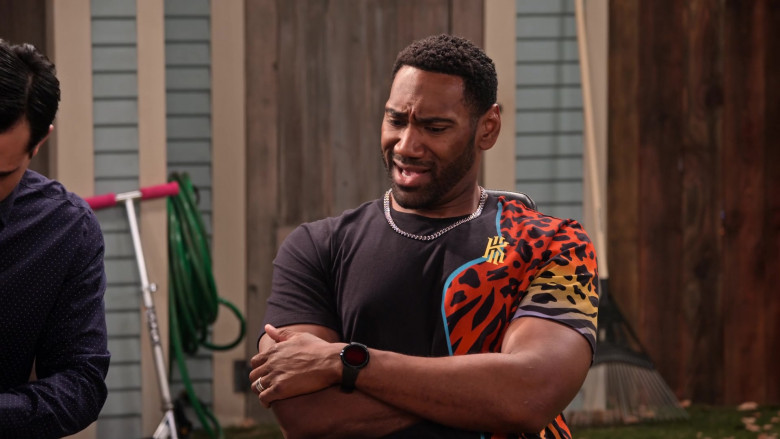 Nike Kyrie 'Animal Print' T-Shirt of Anthony Alabi as Moz McKellan in Family Reunion S03E01