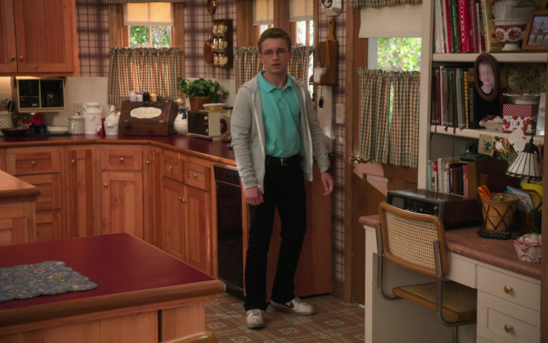 Nike Men's Shoes of Sean Giambrone in The Goldbergs S08E16