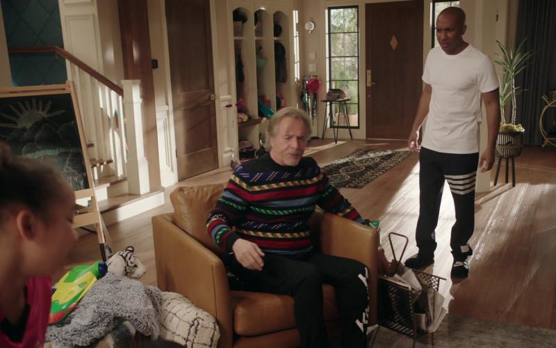 Nike Men's Slide of Chris Redd as Gary Williams in Kenan S01E09 Teacher's Strike (2021)