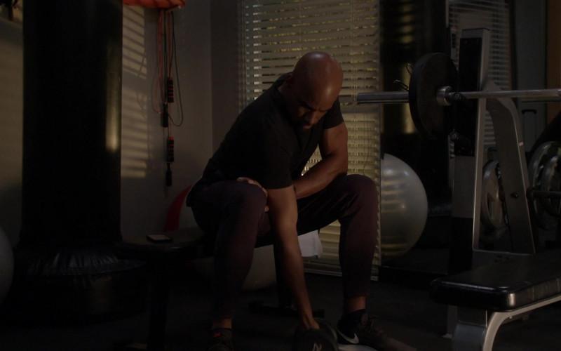 Nike Men's Sneakers of Boris Kodjoe as Robert Sullivan in Station 19 S04E11 Here It Comes Again (2021)