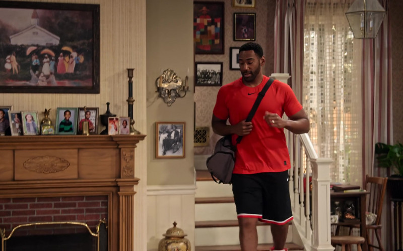 Nike T-Shirt and Shorts Outfit of Anthony Alabi as Moz McKellan in Family Reunion S02E01