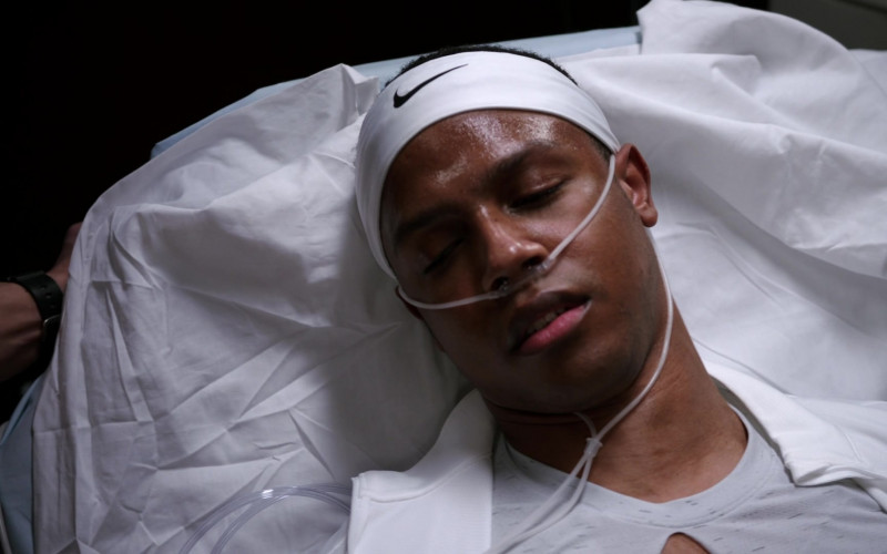 Nike White Headband in Chicago Med S06E11 Letting Go Only to Come Together (2021)