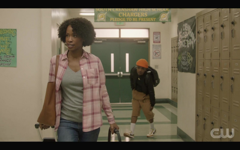 Nike Women's Shoes of Bre-Z as Coop in All American S03E09 Testify (2021)