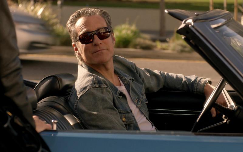 Oakley Men's Sunglasses in Rebel S01E03 (1)