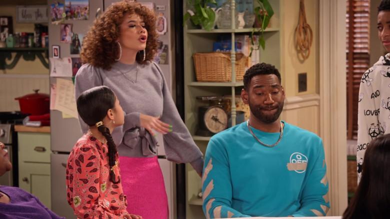 Off-White Sweatshirt of Anthony Alabi as Moz McKellan in Family Reunion S03E04