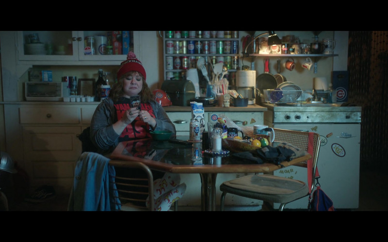 Old Style Beer and Farmland Milk of Melissa McCarthy as Lydia Berman in Thunder Force (1)