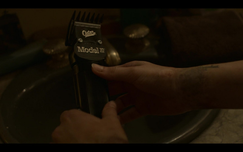 Oster Model 10 Hair Clipper in Mayans M.C. S03E05 Dark, Deep-Laid Plans (2021)