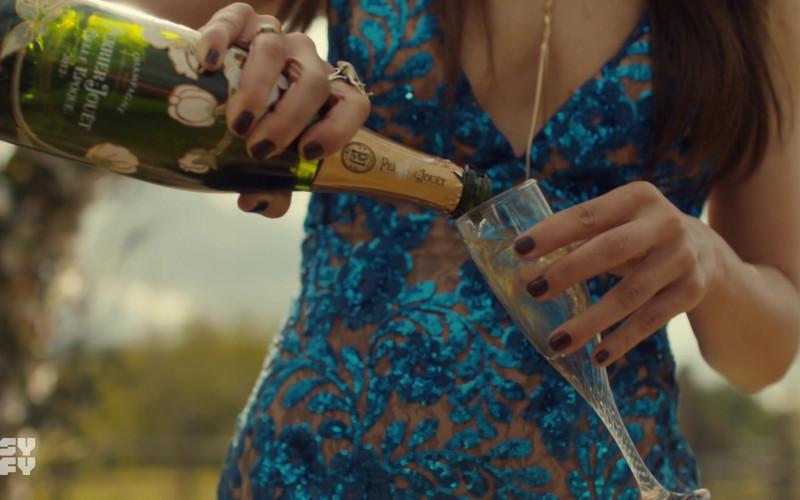 Perrier-Jouët Champagne in Wynonna Earp S04E12 Old Souls (2021)