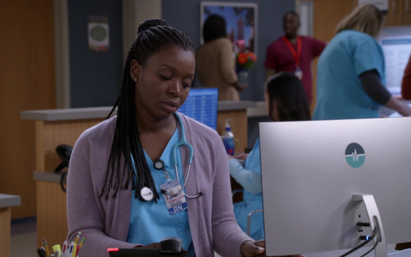 Prestige Medical Stethoscope of Folake Olowofoyeku in Bob Hearts Abishola S02E13 TV Show 2021 (1)