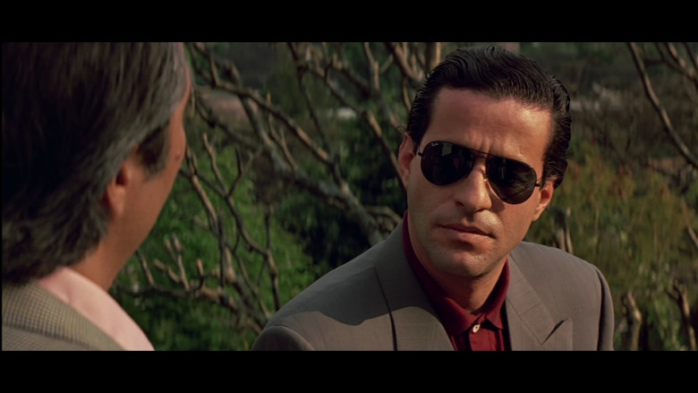 Ray-Ban Aviator Sunglasses in Clear and Present Danger (1994)