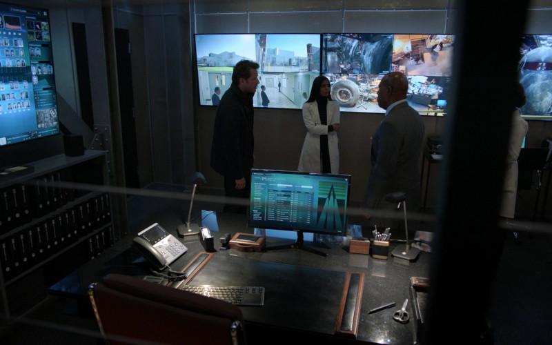 Samsung Monitor in Manifest S03E05 Water Landing (2021)