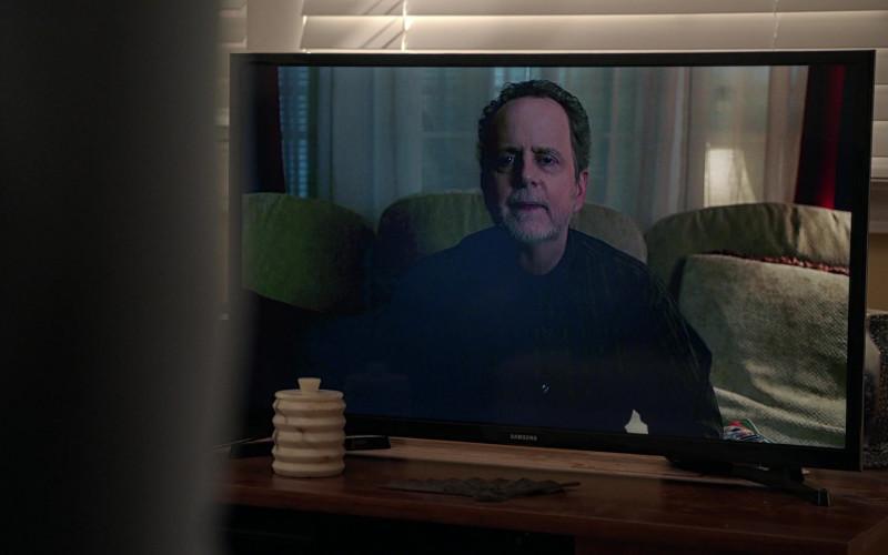 Samsung TV in Manifest S03E03 Wingman (2021)