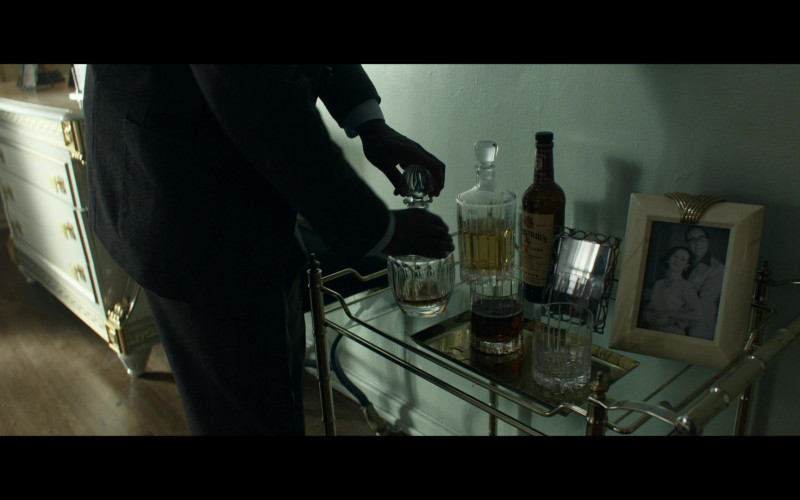 Seagram's 7 Crown Whiskey in Them S01E07 Day 7 Night (2021)