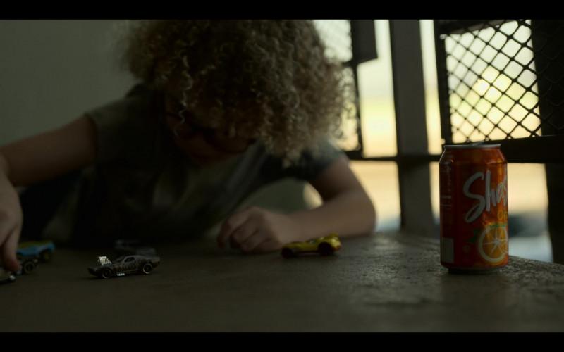 Shasta Orange Soda Can in Mayans M.C. S03E07 What Comes of Handlin' Snakeskin (2021)