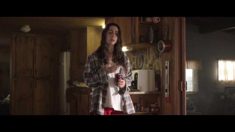 Signature Select Cherry Cola Enjoyed by Cristin Milioti as Hazel Green-Gogol in Made For Love S01E04 TV Show