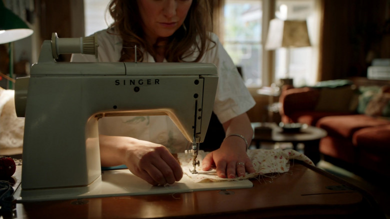 Singer Sewing Machine Used by Zoe Perry as Mary Cooper in Young Sheldon S04E16 TV Show (1)