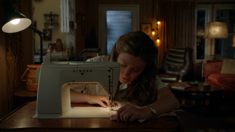 Singer Sewing Machine Used by Zoe Perry as Mary Cooper in Young Sheldon S04E16 TV Show (2)