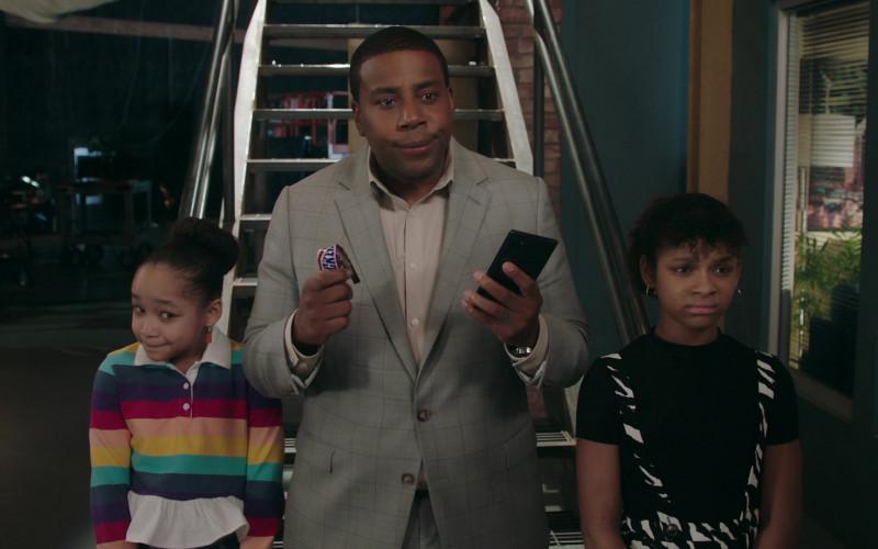 Snickers Chocolate Bar Enjoyed by Kenan Thompson as Kenan Williams in Kenan S01E09 Teacher's Strike (2021)