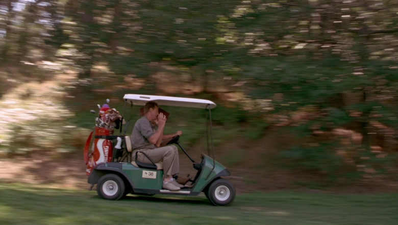 Spalding Golf Clubs in Space Jam (1996)
