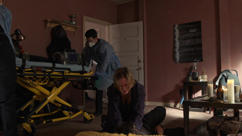 Stryker Power PRO XT Powered Ambulance Cot in Station 19 S04E09 (1)