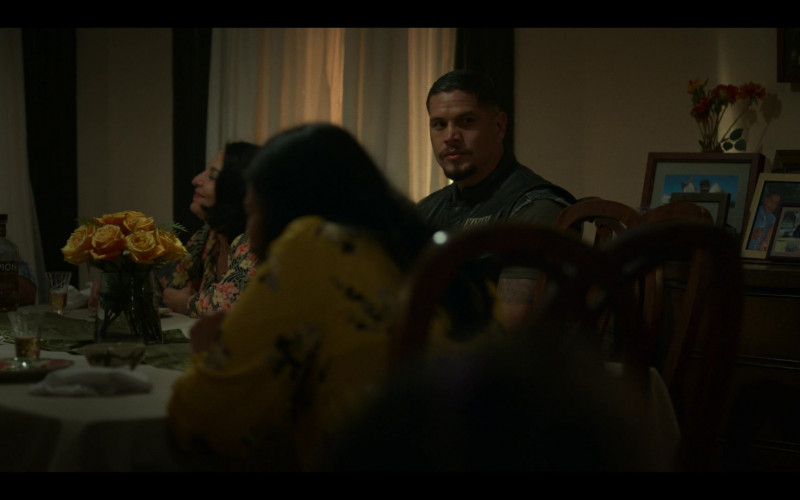 Tequila Avión in Mayans M.C. S03E07 What Comes of Handlin' Snakeskin (2021)