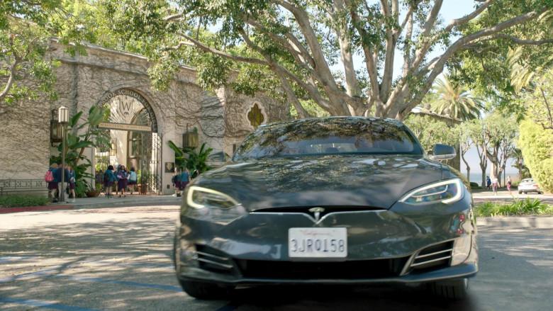 Tesla Model s75d Car of John Stamos as Marvyn Korn in Big Shot S01E03 TV Show 2021 (4)