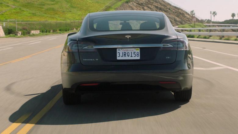 Tesla Model s75d Car of John Stamos as Marvyn Korn in Big Shot S01E03 TV Show 2021 (5)