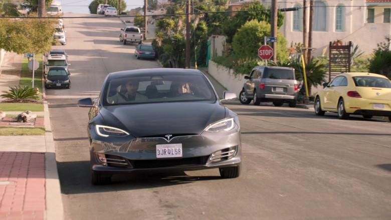 Tesla Model s75d Car of John Stamos as Marvyn Korn in Big Shot S01E03 TV Show 2021 (6)