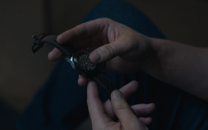 Timex Expedition Men's Watch in FBI Most Wanted S02E10 Spiderwebs (2021)