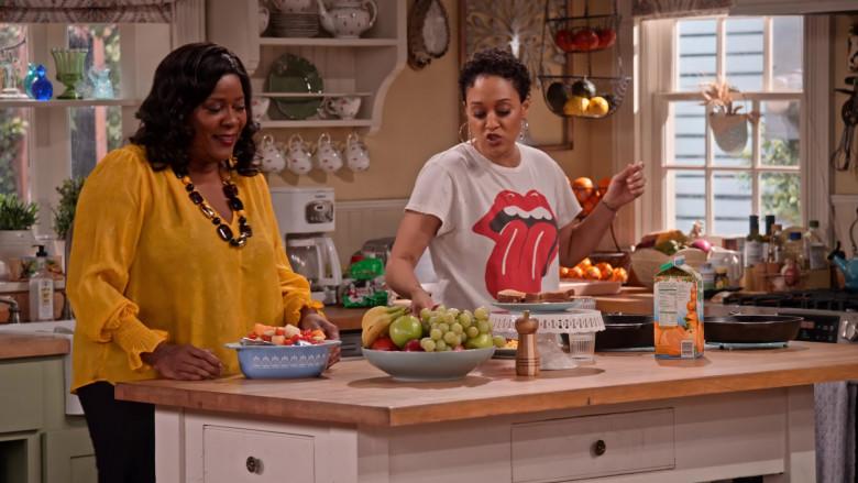 Tree-Ripe Orange Juice in Family Reunion S03E02