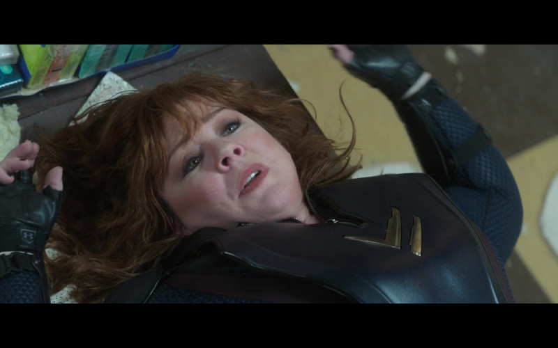 Under Armour Gloves of Melissa McCarthy as Lydia Berman in Thunder Force (2021)