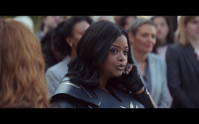 Under Armour Gloves of Octavia Spencer as Emily Stanton in Thunder Force (2021)