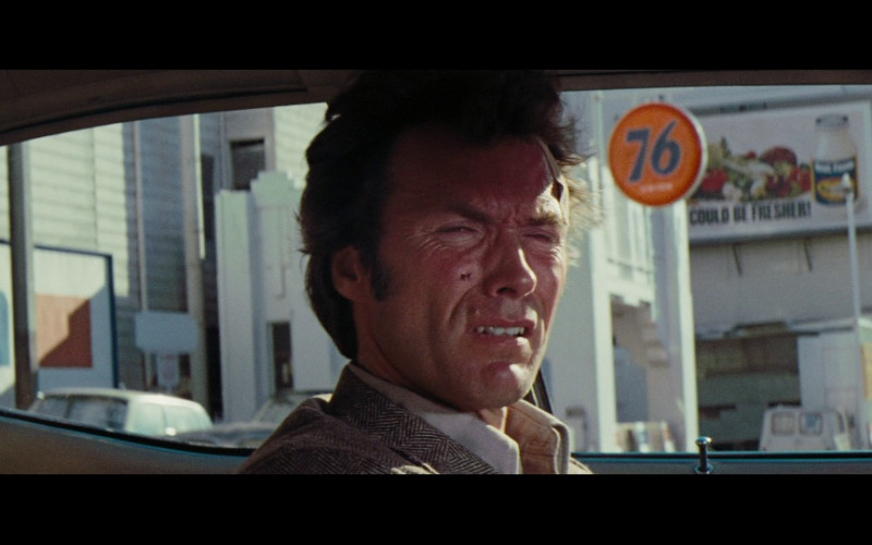 Union 76 Gas Station in Magnum Force (1973)